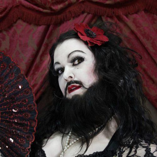 Gina -Le Maxi Monster Show